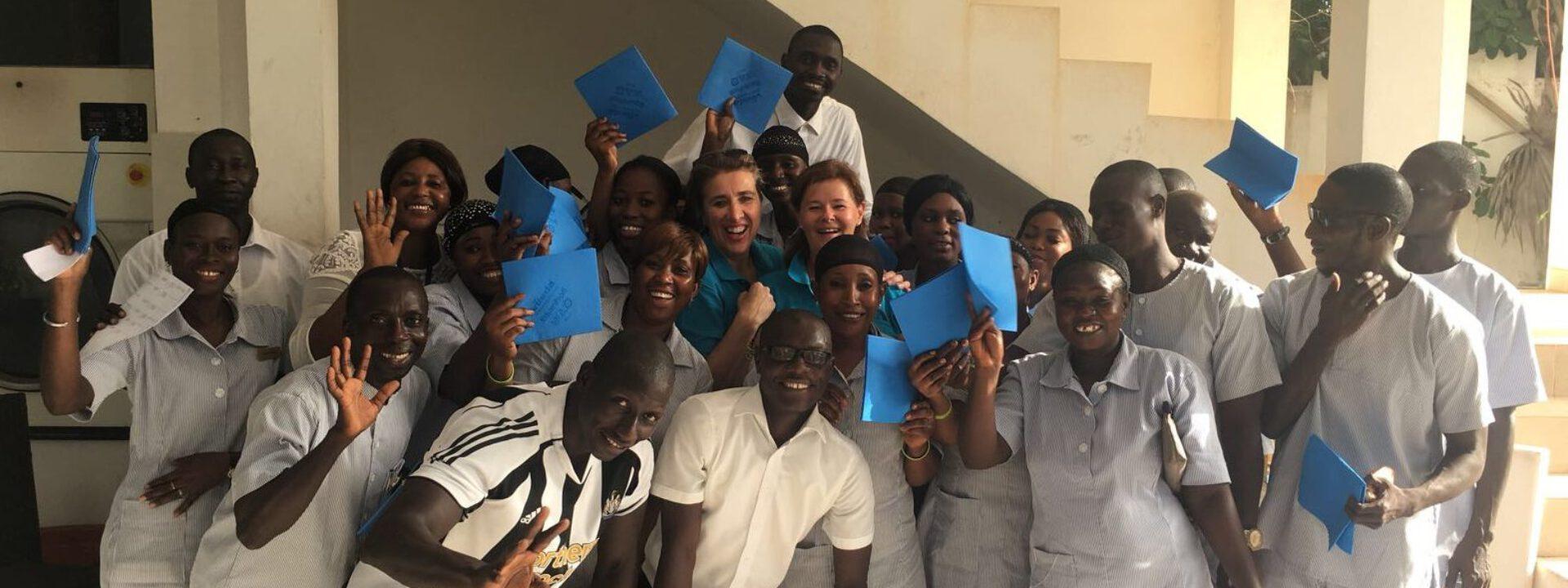 Kennis op het gebied van housekeeping delen in Gambia