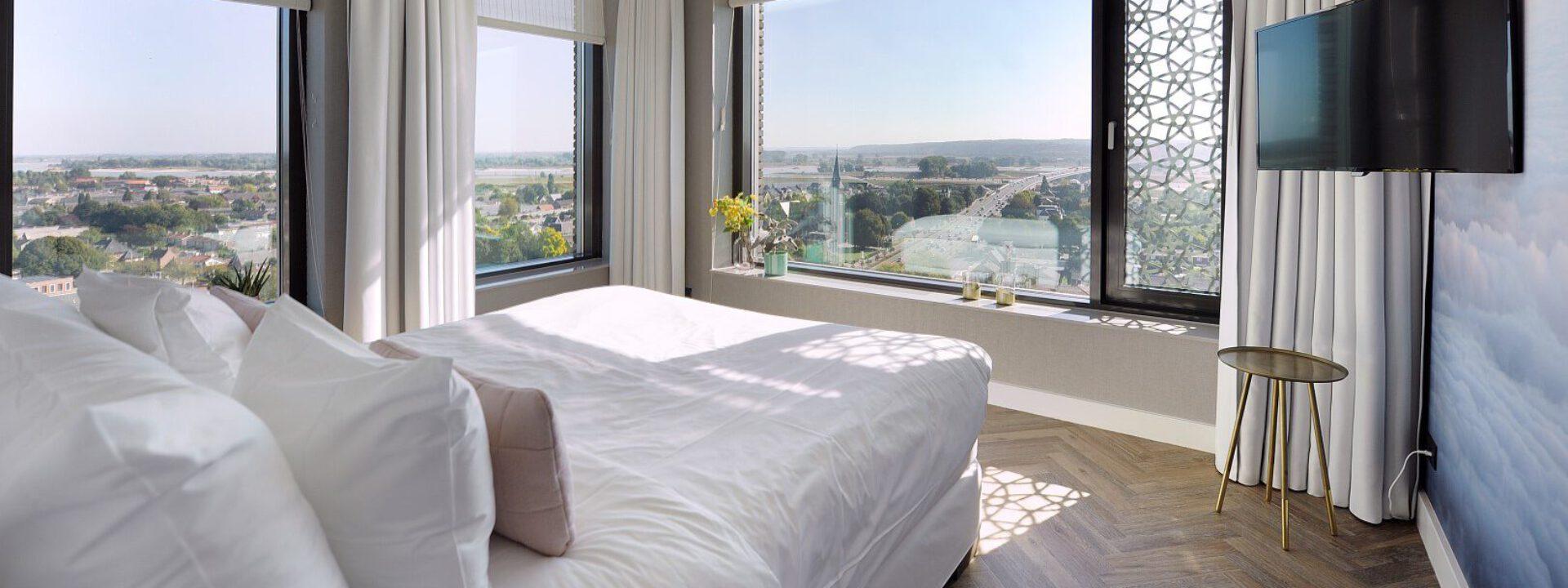 Hendriks Hoteldiensten, Hotel Cleaning Company en EW Facility Services bundelen krachten