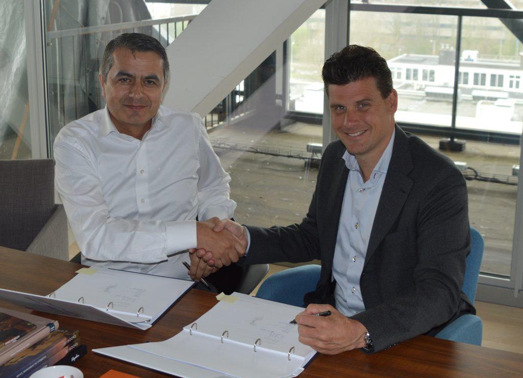 Atilay Uslu oprichter Corendon en Bas Cornelissen Algemeen Directeur EW Facility Services